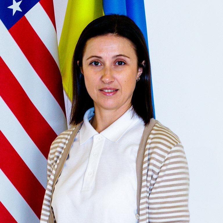 Пані Євгенія (вчитель англійської мови)